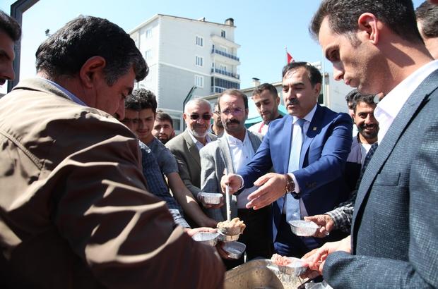 Ahlat Belediyesinden 2 bin kişiye aşure ikramı