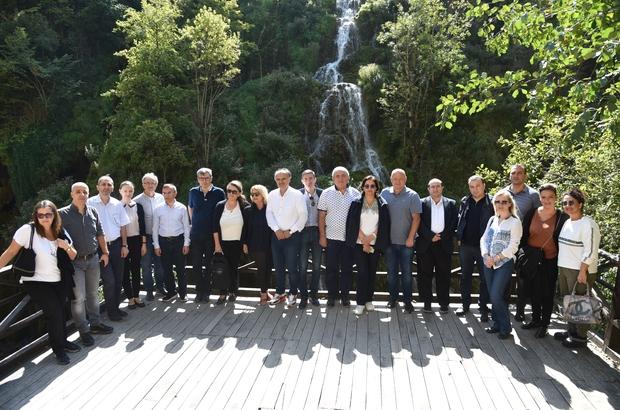 KEİPA toplantısı sonrası yaylada stres attılar Karadeniz Ekonomik İşbirliği Parlamenter Asamblesi (KEİPA) üyeleri, Giresun'da düzenlenen toplantı sonrası yayla ve turizm alanlarını gezdiler