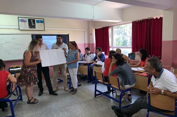 Öğretmenlere mesleki yeterliliklerini geliştirme semineri