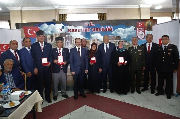 Kıbrıs Barış Harekâtına katılan 81 kahraman gaziye Milli Mücadele Madalyası ve beratı takdim edildi