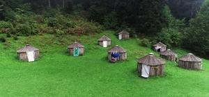 Oğuz Boyu geleneğini Trabzon'da sürdürmeye çalışıyor Trabzonlu girişimci turizm amaçlı kurduğu kamp yerinde Türk Oba çadırı kültürünü müşterilerinin hizmetine sundu Maçka ilçesindeki kamp yeri temiz havası zaman zaman sis altında muhteşem doğasıyla büyülüyor Tesisteki otantik çadırlara 24 Oğuz boyunun adı verildi