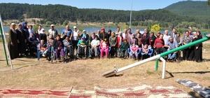 Simav'da 'Engelsiz' piknik Müftülüğün organizasyonu ile 120 engelli Gölcük Yaylası'nda buluştu
