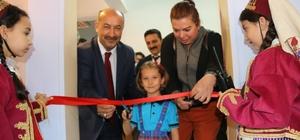 Kütahya Şehitler Ortaokulu'nda kütüphane açılışı