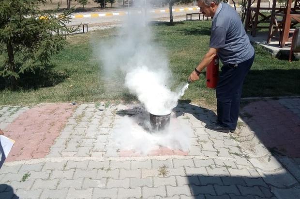 DPÜ Emet Meslek Yüksek Okulu'nda yangın söndürme tatbikatı