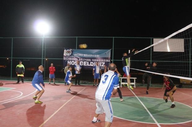 İnönü'de spor faaliyetleri sürüyor İnönü'de sıra masa tenisi turnuvasında