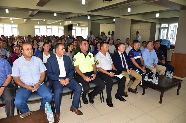 Manisa'da servis şoförleri bilgilendirildi