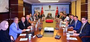 Trabzon turizmden 269 milyon 467 bin dolar gelir elde etti 2019 yılının ilk 8 ayında Trabzon'a dış hatlardan 338 bin 585 turist giriş yaptı Trabzon'da 2019 yılının ilk 8 ayında toplam geceleme 2 milyon 960 bin 192 olarak gerçekleşti Sümela Manastırı'nın 2020 yılının turizm sezonuna yetiştirilmesi planlanıyor Uzungöl'ü yaklaşık 3 milyon kişinin ziyaret etti