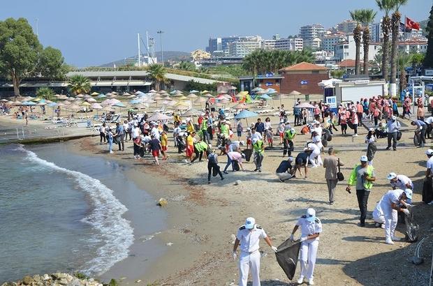 Kuşadası kıyılarında temizlik