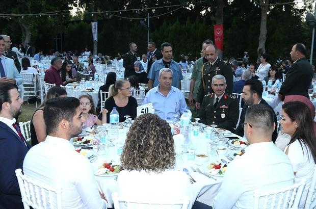 İzmir Valiliği, kahraman gazileri ve şehit yakınlarını buluşturdu