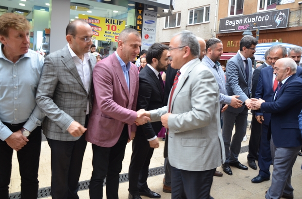 """Başkan Güler: """"Biz hizmet için geldik"""" Hilmi Güler Fatsa'da vatandaşları dinledi"""