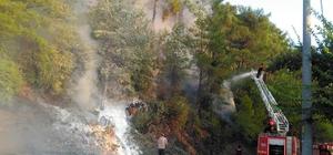 Ortaca'da orman yangını Muğla'nın Ortaca ilçesinde ormanlık alanda çıkan yangına Muğla Büyükşehir Belediyesi itfaiye ekipleri ve orman arazözleri müdahale ediliyor.