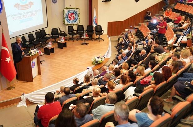 Ege Diş Hekimliği Fakültesi yarım asırlık tarihini kutladı Ege Diş Hekimliği Fakültesi yarım asrı geride bıraktı