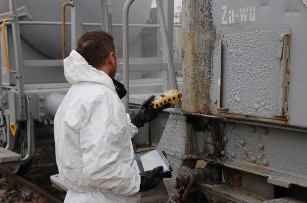 Kayseri'de 'sülfürik asit' paniği Yük trenine bağlı vagondan sızan sülfürik asit ekipleri alarma geçirdi