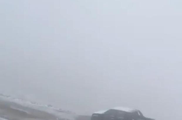 Doğu Karadeniz'in yüksek kesimlerine mevsimin ilk karı yağdı Bulut Denizi ile meşhur Rize'nin Çamlıhemşin ilçesi Huser Yaylası beyaza büründü