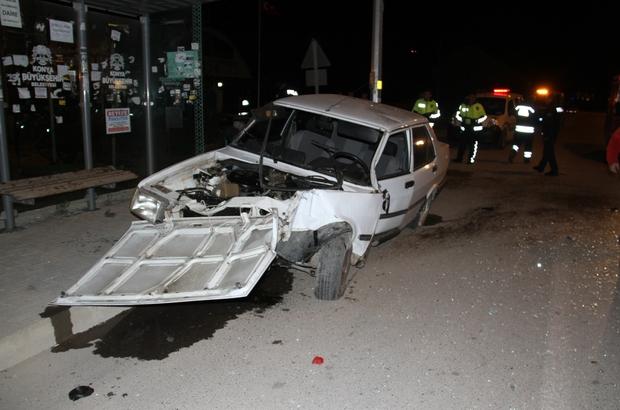 Konya'da otomobil direğe çarptı: 2 yaralı