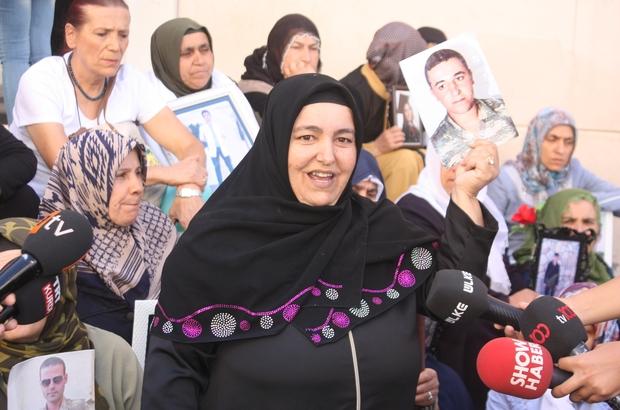 Çocukları dağa kaçırılan anne ve baba tedavi sonrası HDP önündeki eyleme katıldı