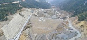 """Afyonkarahisar'da bölgenin en yüksek barajının gövde dolgusu tamamlandı Çay Barajının yüzde 70'i bitirildi DSİ Genel Müdürü Mevlüt Aydın: """"Barajın tamamlanmasıyla ekonomiye 25 Milyon TL katkı sağlanacak"""""""