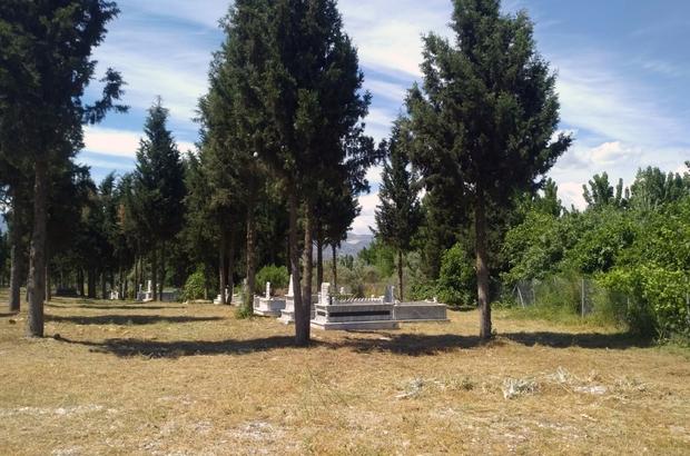 Muhtarlardan Büyükşehir'e mezarlık hizmeti teşekkürü