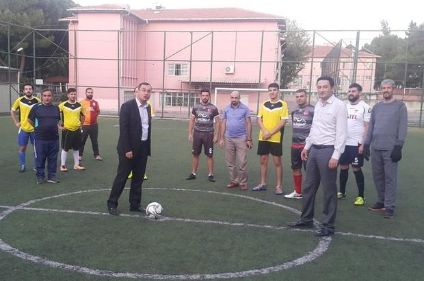 Kurumlar arası futbol turnuvası baklava jestiyle başladı