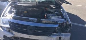 Kars'ta TIR otomobile çarptı: 2 yaralı