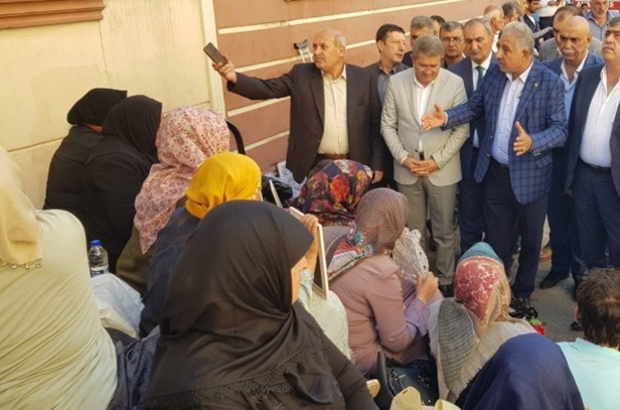 Vanlı STK'lar ve kanaat önderlerinden Diyarbakır Annelerine destek