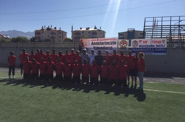 Antrenörlerden Diyarbakırlı annelere destek