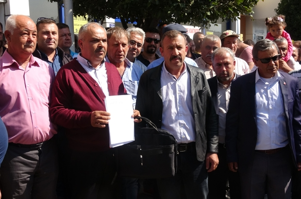 Yüzlerce köylüden Çanakkale Belediyesi önünde 'maden' eylemi