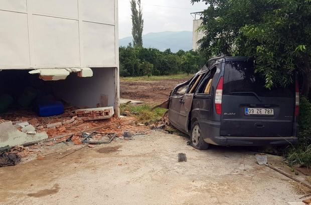Yol kenarında oturanlar ne olduğunu anlayamadı Kuyucak'ta trafik kazası: 2 yaralı