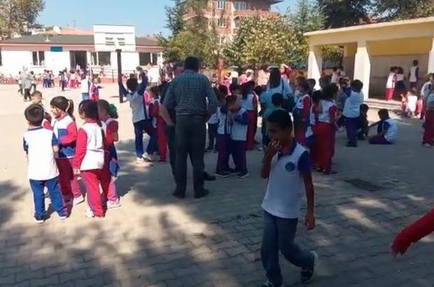 Bursa'da da okullar boşaltıldı, veliler okullara koştu