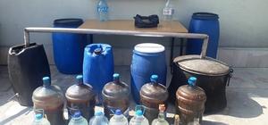 Jandarma'dan kaçak içkiye geçit yok Jandarma ekipleri tarafından düzenlenen operasyonda 198 litre fermente şarap, 38 litre kaçak rakı ele geçirildi