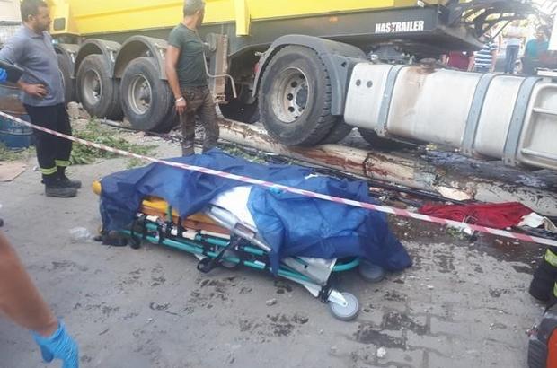 Kazada ölü sayısı 2'ye yükseldi Milas'ta tırın kontrolden çıkmasıyla meydana gelen kazada ölü sayısı 2'ye yükseldi.