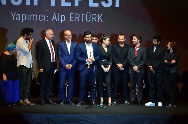 26. Uluslararası Altın Koza Film Festivali'nin büyük ödülleri sahiplerini buldu Altın Koza'da en iyi film 'Nuh Tepesi' oldu En İyi Erkek Oyuncu Ödülü'nü Alican Yücesoy, En İyi Kadın Oyuncu Ödülü'nü Funda Eryiğit aldı