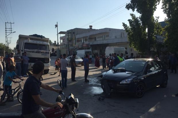 Otomobile çarpan motosiklet sürücüsü öldü Adana'da otomobile çarparak savrulan motosiklet sürücüsü kaldırıldığı hastanede kurtarılamadı