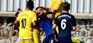 Çeşme Belediyespor galibiyetle, Alaçatıspor mağlubiyetle başladı