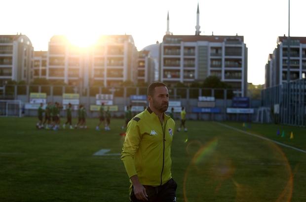 """Koşukavak: """"6 haftada 4 galibiyet bence iyi"""" Bursaspor, Altay maçı hazırlıklarını sürdürüyor"""