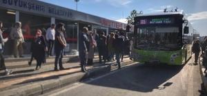 Büyükşehir, 12 ilçeden üniversite öğrencilerini kampüse ulaştırıyor