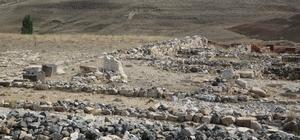 Tarihte ilk yazılı antlaşmanın yapıldığı antik kent turizme kazandırılacak Sivas'ın Altınyayla ilçesinde bulunan ve tarihte ilk yazılı antlaşmanın yapıldığı yer olarak bilinen Hitit kenti Sarissa turizme kazandırılacak