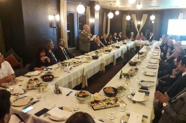 İstanbul'da Adana zirvesi Adana Büyükşehir Belediye Başkanı Zeydan Karalar, İstanbul'da yaşayan Adanalı iş insanları, kültür, sanat, bilim ve spor camiasından isimlerle buluştu Başkan Karalar, İstanbul'daki Adanalı iş insanlarını, Adana'ya yatırım yapmaya çağırdı