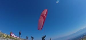 (Özel haber) Gökyüzünün renkli kanatları Yamaç paraşütçülerinin tutkusu: 'Gökyüzü' Türkiye'nin her yerinden yamaç paraşütü yapmak için Denizli'ye geliyorlar