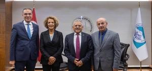 Develi ve Yöresi Dernek Başkanı Cebeci'den Başkan Memduh Büyükkılıç'a ziyaret