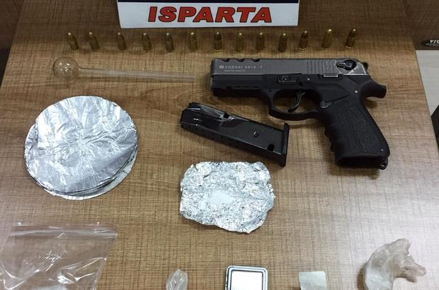 Isparta polisinden zehir tacirlerine darbe: 22 gözaltı