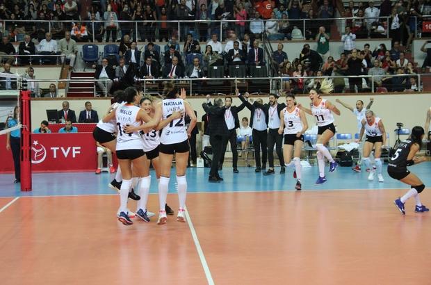 Şampiyonlar Kupası, Eczacıbaşı VitrA'nın Voleybol Kadınlar Spor Toto Şampiyonlar Kupası: Vakıfbank 2 - Eczacıbaşı VitrA 3