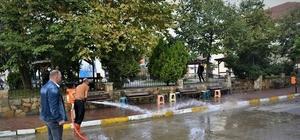 Cumayeri'nde kaldırımlar yıkanıyor
