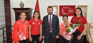Balkan şampiyonu altın kızlara ödül