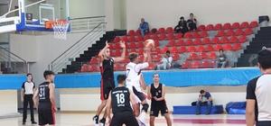 Kayseri U-18 Basketbol Ligi Melikgazi Belediyesi çok farklı kazandı