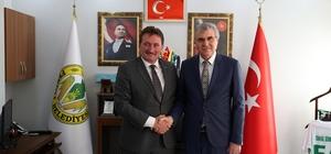 Başkan Yüce, Ferizli Belediyesi'ni ziyaret etti