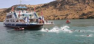 Fırat'ın incisi Rumkale'deki su sporlarına yoğun ilgi Rumkale'den barış ve kardeşlik sesleri yükseldi