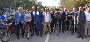 Adnan Menderes bisiklet yarışları nefes kesti