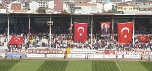 Bandırmaspor taraftarından Barış Pınarı kahramanlarına destek