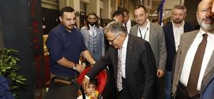Başkan Büyükkılıç, açılışına da katıldığı Kayseri Mobilya Fuarı'nı ziyaret etti